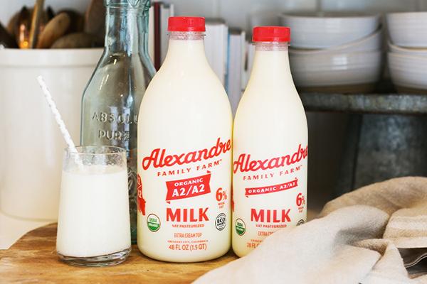 Free Alexandre Organic Milk