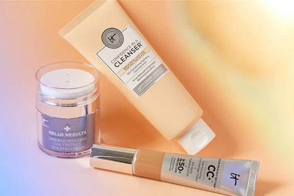 Free IT Cosmetics Kit